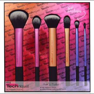 REAL TECHNIQUE BRUSH SET