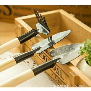 Mini Wooden Gardening Tool