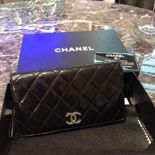 Chanel 漆皮黑色長銀包