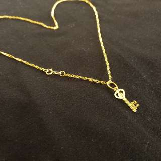 18k Necklace with Key's to her Heart Pendant