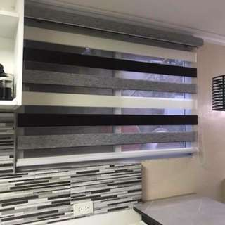 Window Blinds Curtains Carpet Show Enclosure