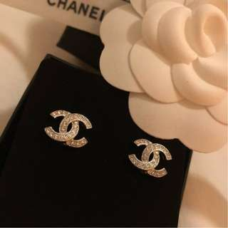 Brand New Chanel Classic Earring in SHW