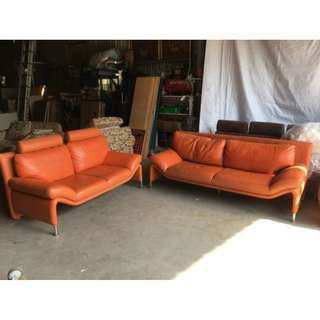 二手家具全省收購(大台北冠均 五股店)二手貨中心--品味非凡亮麗橘個性款皮沙發 2+3沙發SO-011206