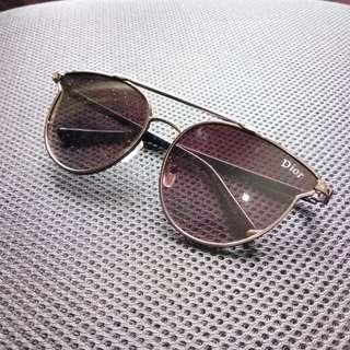 Kacamata Dior Hitam