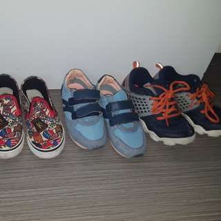 3 pairs of 5 year old boy shoe