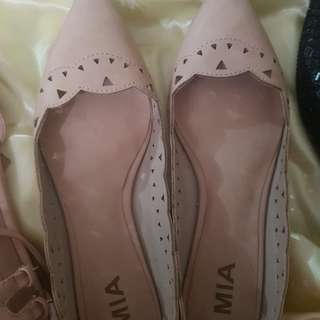 nude flats from US