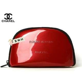 【CHANEL】半圓形 漆皮:紅色《禮盒原包裝》 ($58)