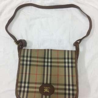 Burberrys Slim Bag