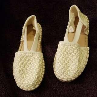Zara white shoes size 24