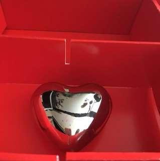 Heart shape paper weight