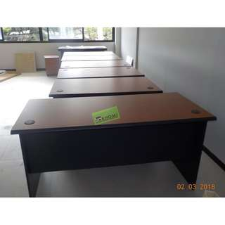 Office PartitionFurniture Table Chairs*Cubicle*Blinds*Carpet