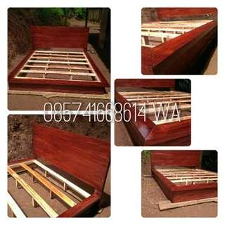 Dipan master bed
