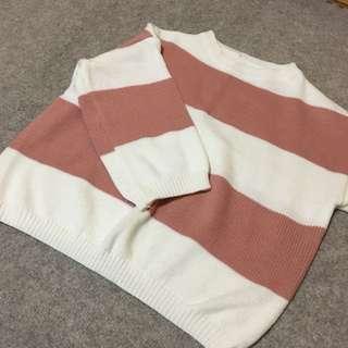 粉色條紋毛衣