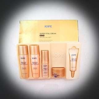 BRAND NEW Iope Super Vital Cream Rich Travel Kit
