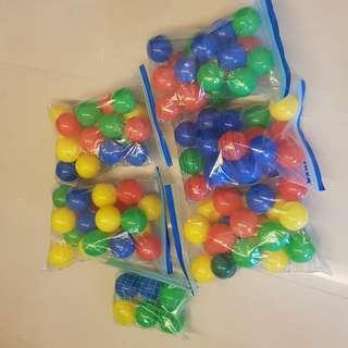 Colourful Pit Balls (Quantity: 106)