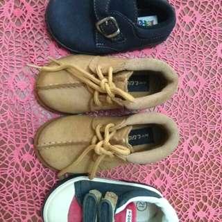 3 pasang sepatu anak laki laki