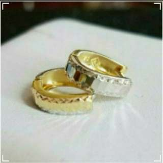 18K750 White & Yellow Gold Loop Earrings              ❤ NEW❤Italy Gold  18K750 K黃白金耳圈耳環