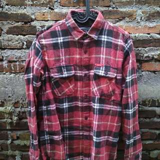 Flanel red and black merk DNd exe