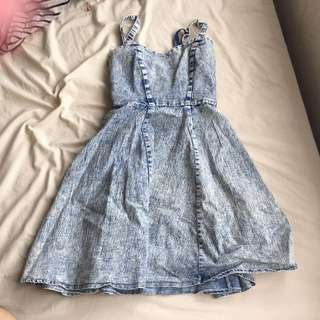 DENIM DRESS SIZE 6