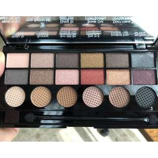 Makeup Revolution Run Boy Run 18 Eyeshadow Salvation Palette