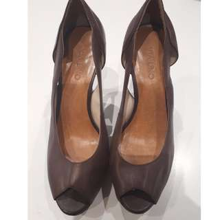 Shoes Size 39 -  Peep Toe Chocolate Brown Leather Heels