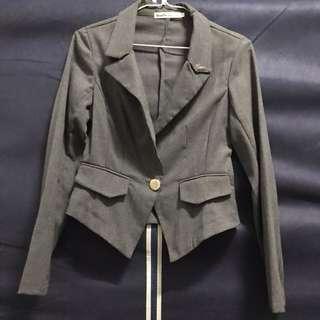 🚚 薄款短版西裝外套
