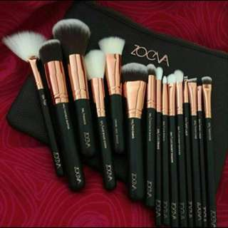 Zoeva face brush set
