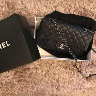 💙 Authentic Chanel Classic Handbag Dark Blue 💙