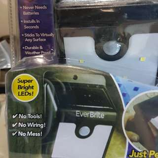 Ever brite motion activated solar powered led light