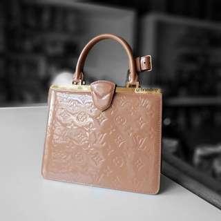 Authentic Louis Vuitton Vernis Deesse PM M91596 LV