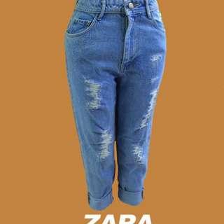 Zara Highwaisted Boyfriend Jeans