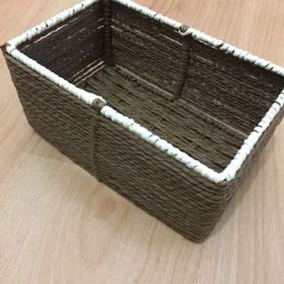 Straw woven container
