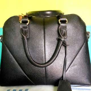 Little things she needs hand bag