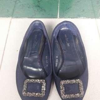 sepatu flate