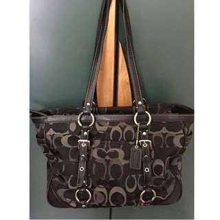 Authentic Coach Tote F15669