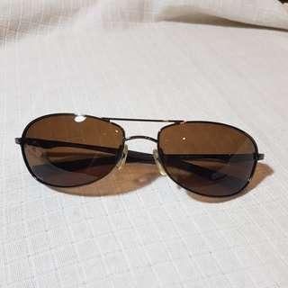 Kacamata hitam / shades / sunglasses