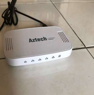 Aztech Homeplug 500Mbps 4-port Switch