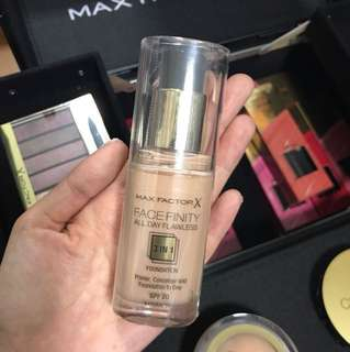 MAX FACTOR FACE INFINITY ALL DAY FLAWLESS in natural 50