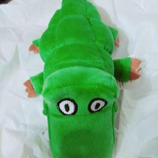 🚚 中型 可愛 長鱷魚