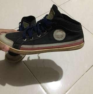 Tom kins shoes