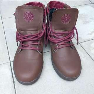 登山靴、防水靴、軍靴