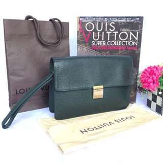 Authentic Louis Vuitton Taiga Serenga Clutch