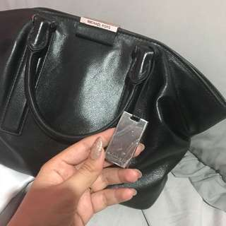 entic Michael Kors Lexi (Really Good Condition)
