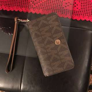 Michael kors tech wallet