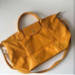 Longchamp cuir size M