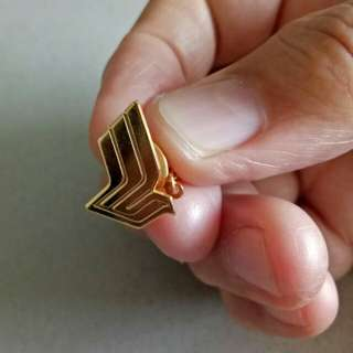 Singapore Airlines logo Pin