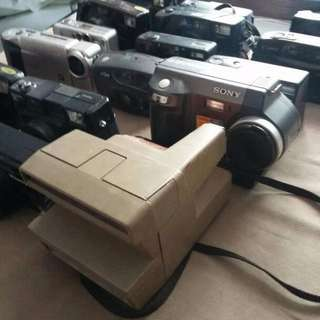 17 pcs cameras old skool stills cameras some working others display items drop price to clear items