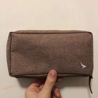 Cathay Pacific business class luxury pouch
