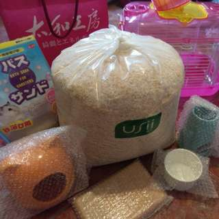倉鼠外出籠和陶瓷用品附贈品沐浴沙和實驗室木屑