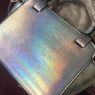 Stradivarius bag hologram